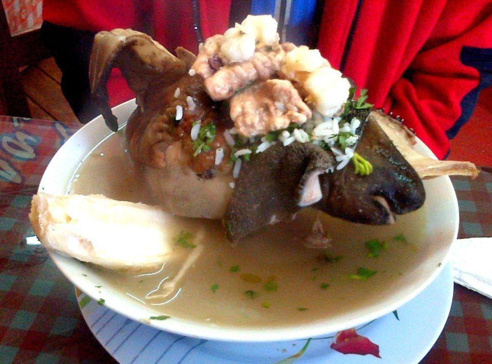 peruánska polievka z jahňacej hlavy